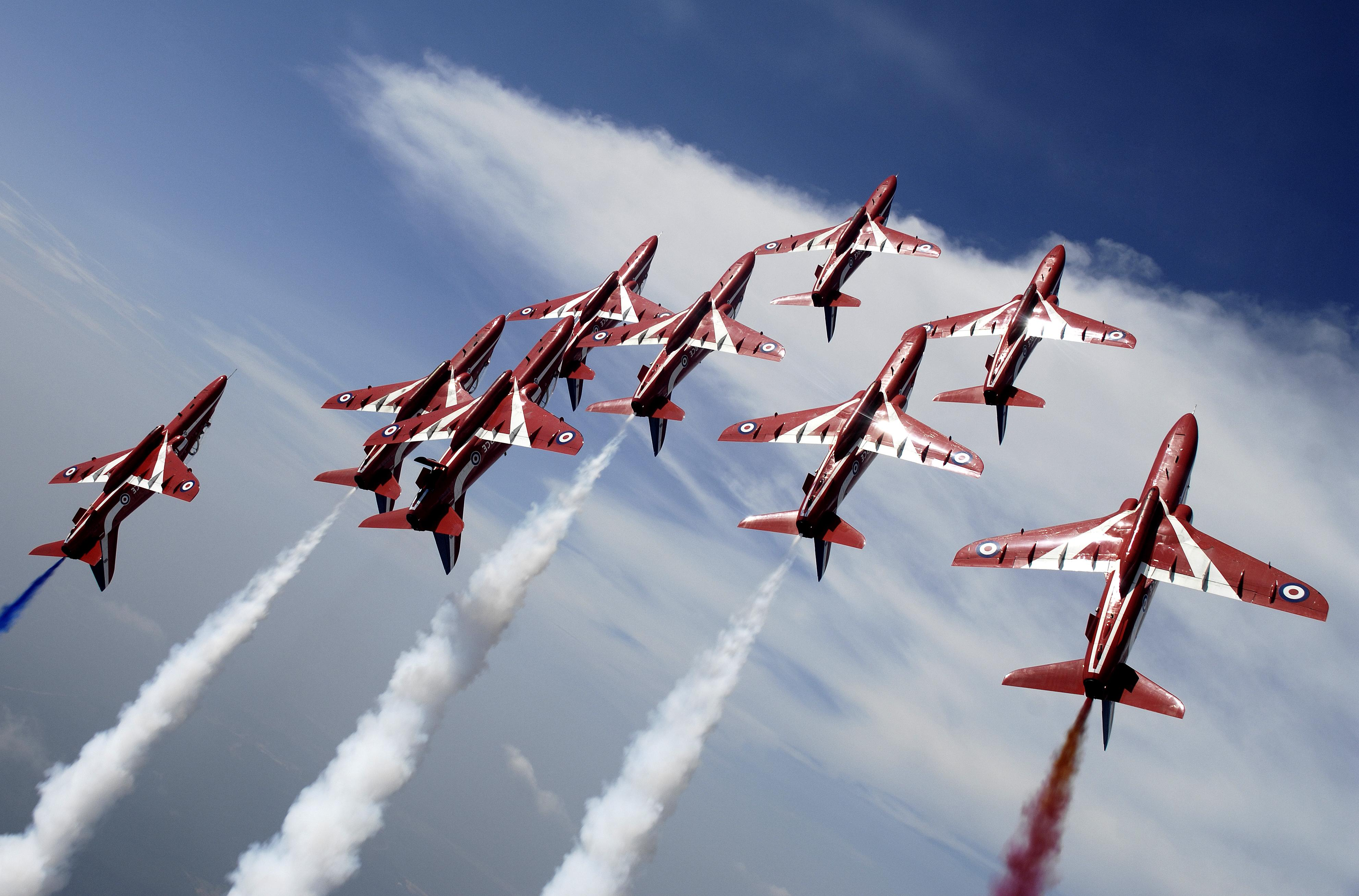 Red Arrows To Return To Cotswold Airport